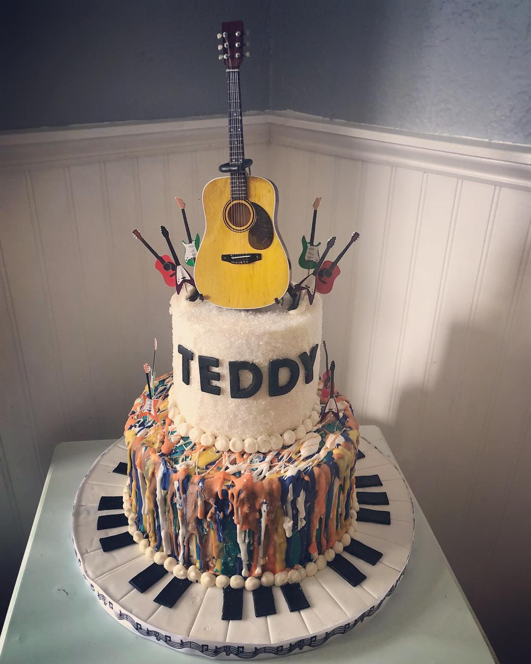 Teddy's Musical Drip Cake