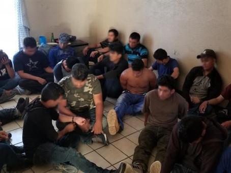 Agentes de la Patrulla Fronteriza descubren 38 inmigrantes escondidos en una casa en Laredo
