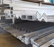 山﨑工業、技術・設備、SUS304の形鋼を豊富に在庫