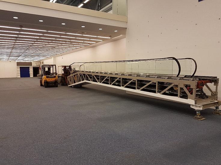 Skábraut 25 metrar - færiband - rúllustigi