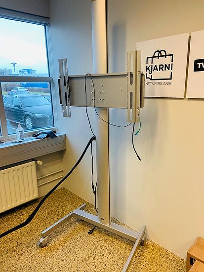 Selt-Sjónvarpsstandur á hjólum ásamt Crestron switch and receiver