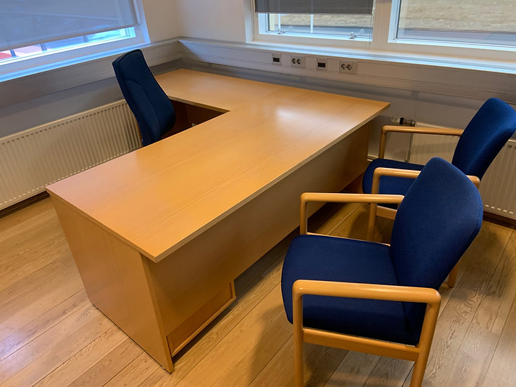 Endurnýtt/selt-Hornskrifborð 200x180 sm.