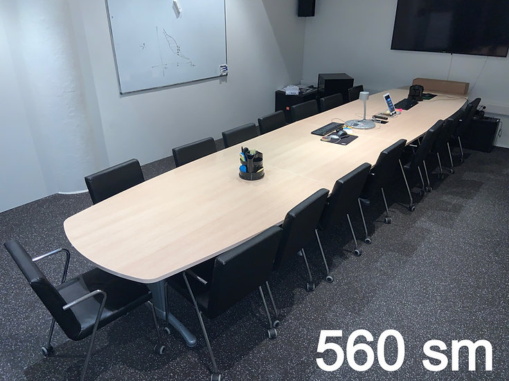 Selt-Fundarborð 16 manna - Meeting room for 16 people