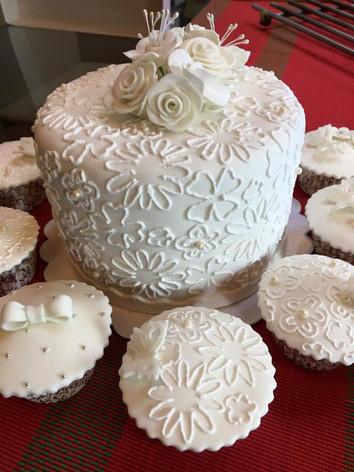 wedding wd minicupcakes.jpg