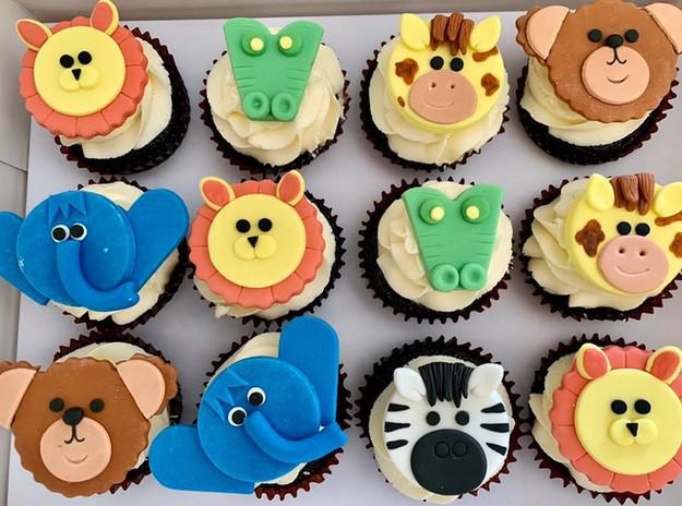 choco fondant cupcakes.jpg
