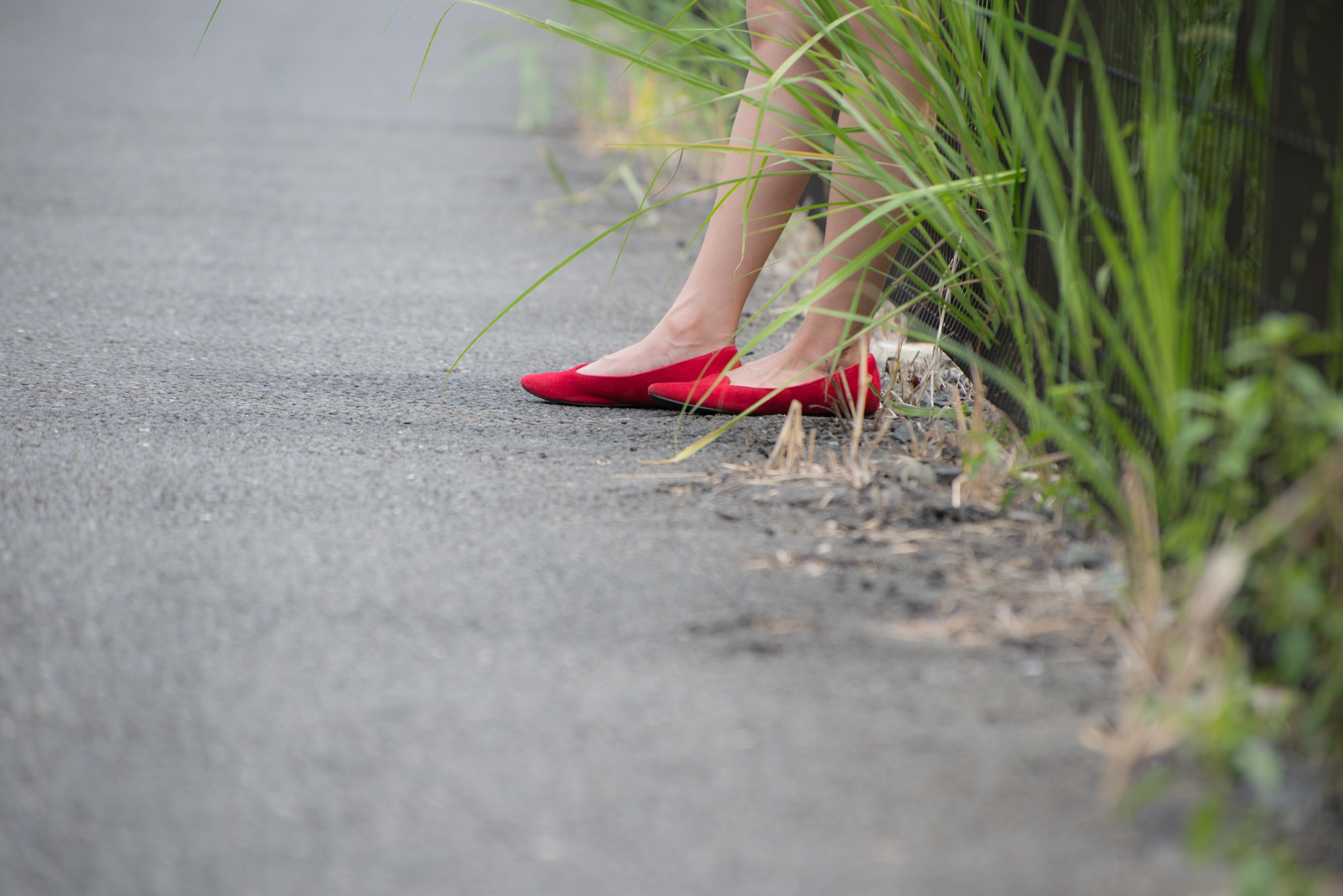 あわゆいかなこ、赤い靴