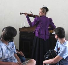 Helena - violino.jpg