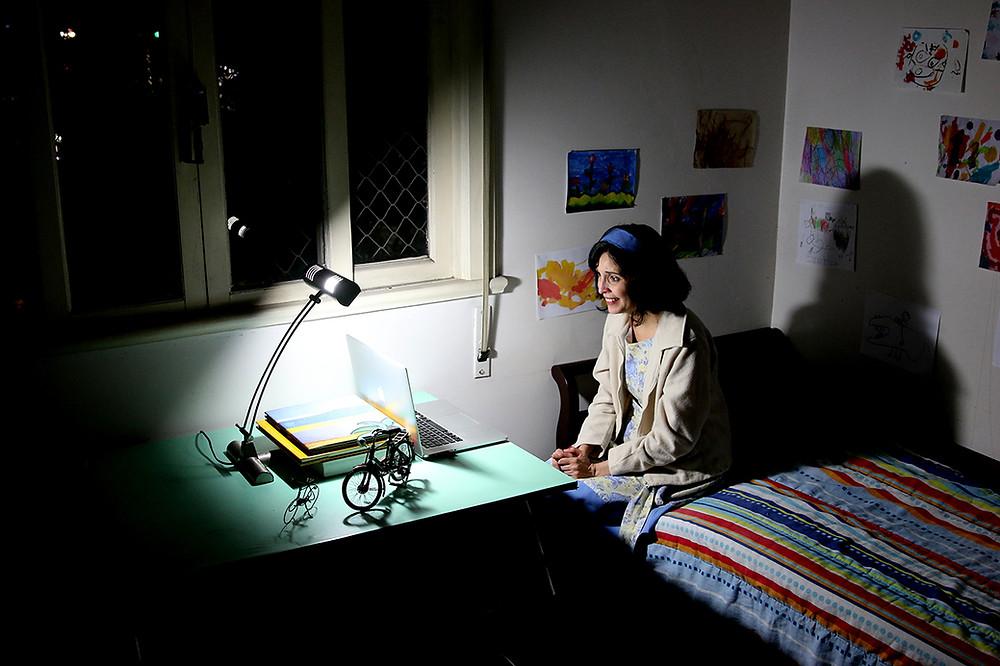 As Palavras da Nossa Casa / Núcleo Teatro de Imersão / atriz Adriana Câmara / Espetáculo de teatro virtual imersivo  /  Adriana Câmara / Zoom