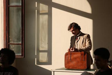Miguel - arrumando a mala.jpg