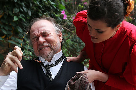 Tio Ivan / Núcleo Teatro de Imersão / ator Samuel Luz e atriz Ariana Slivah / Espetáculo de teatro imersivo