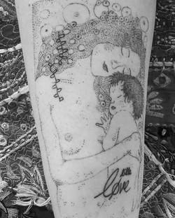 Mother and son! _#purelove #dotwork #tattoo #blackwork #blacktattooart #poketattoo #dotbydot #gustav