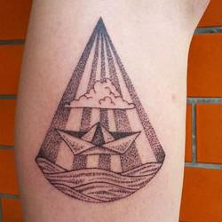 Got a new home! #kaattoo #tattoo  #dotwork #papierschiffchen #seatattoo