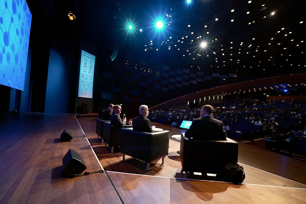 Filming live presentations at a large congress