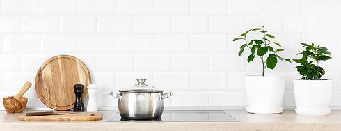 white-modern-kitchen-E9W3P5V.jpg