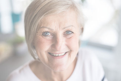 portrait-of-a-senior-woman-at-home-PEYCZ