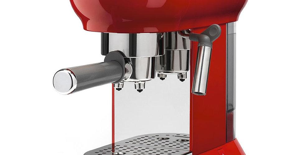 machine a cafe rouge de face