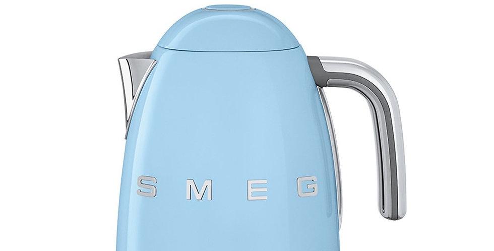 bouilloire avec choix de temperature thermostatique smeg  bleu azur