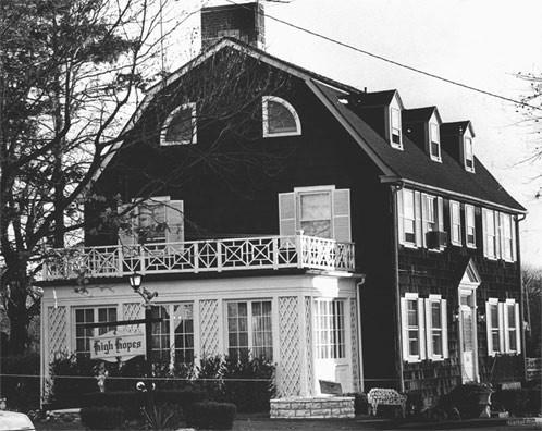 Amityville-Horror-house3.jpg