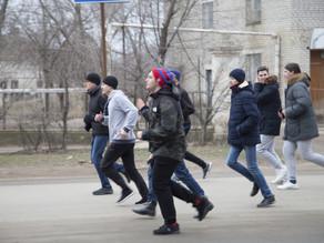 """В Ахтубинске прошла ежегодная пробежка """"За здоровый образ жизни"""""""