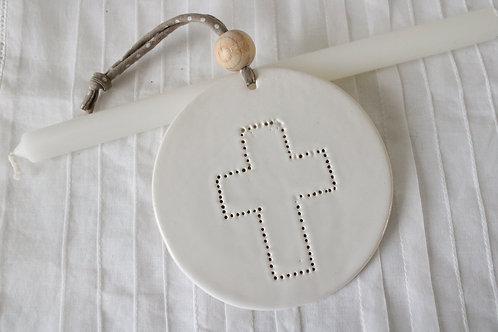 décoration motif croix en céramique