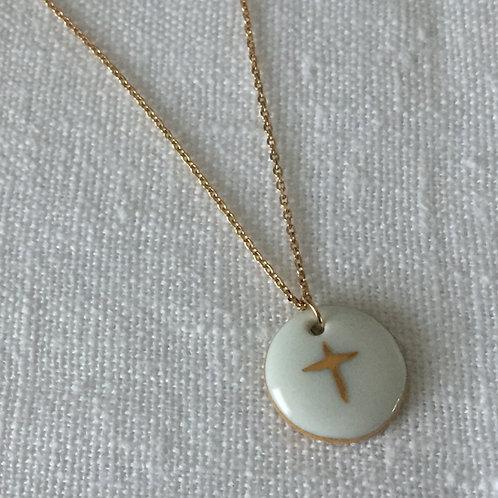 Collier pendentif porcelaine croix