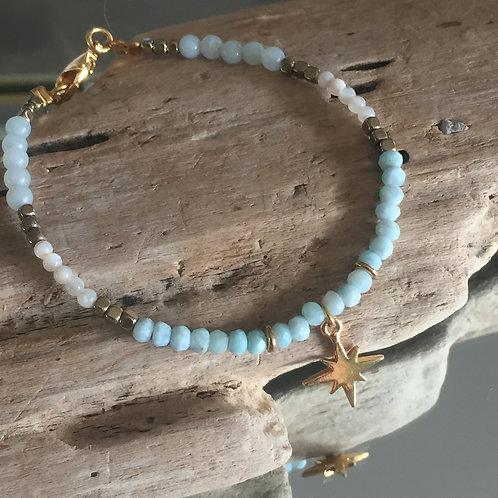 Bracelet perles de Larimar breloque étoile du nord