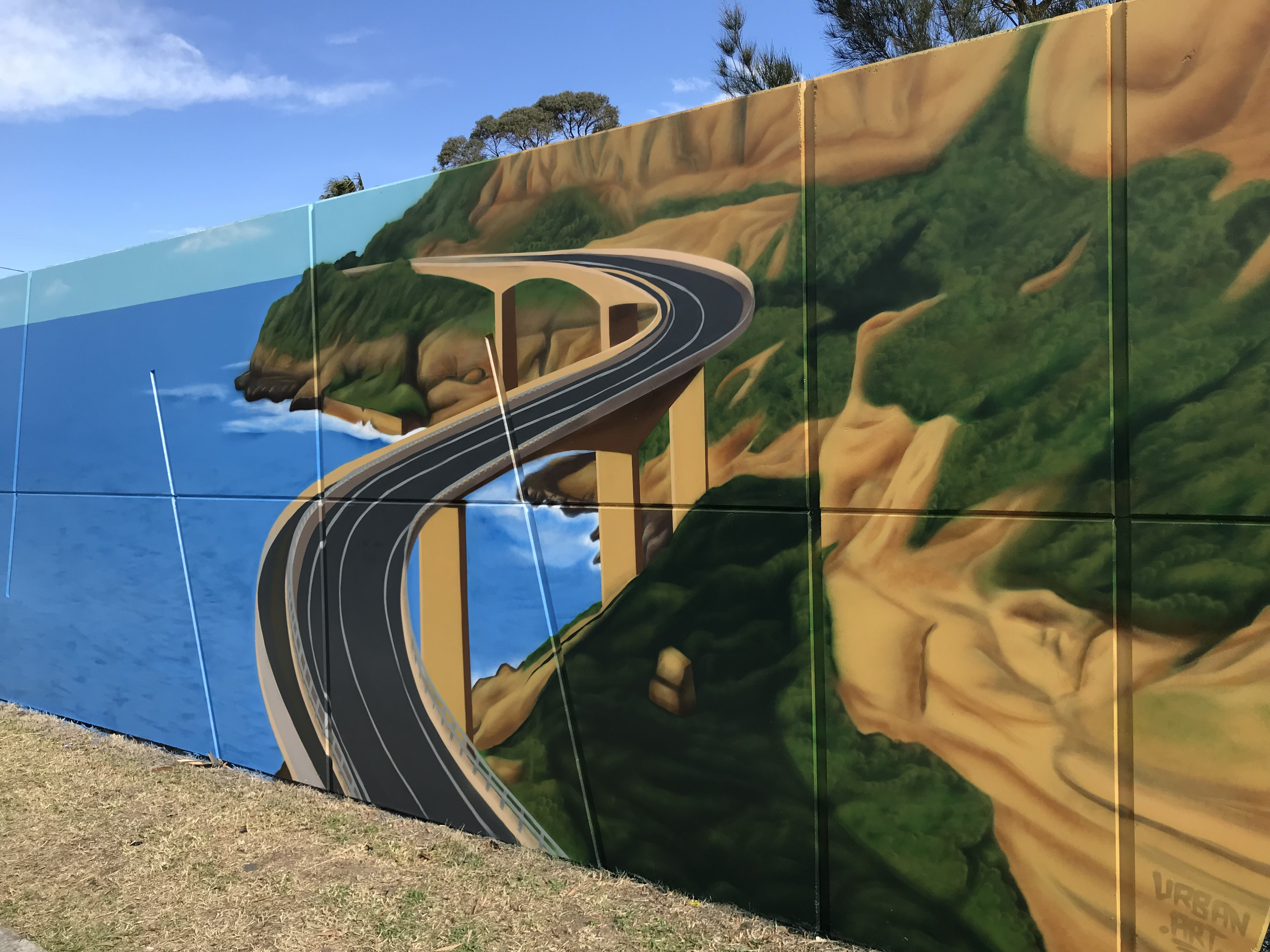 iconic sea cliff bridge mural art
