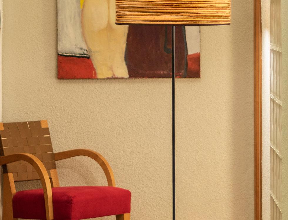 Lámpara de pie con tres bombillas Ocho Slim 1_F Cerezo