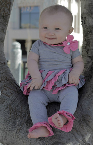 Baby in a tree 02