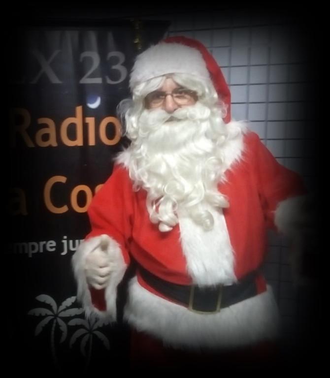 Muy Felices Fiestas les desea el staff de LX23 Radio La Costa