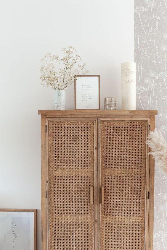 Natural living room decor, white decor, fresh home decor, home style trends, interior decor blog