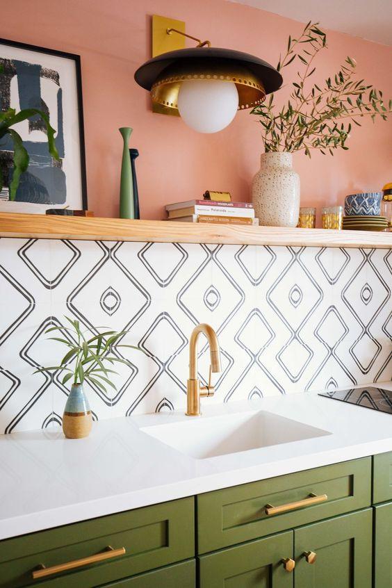 trendy tiles, green and pink kitchen, kitchen decor, trendy kitchen, kitchen ideas