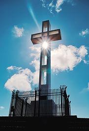 veterans-memorial-cross-TYZ62EV.jpg