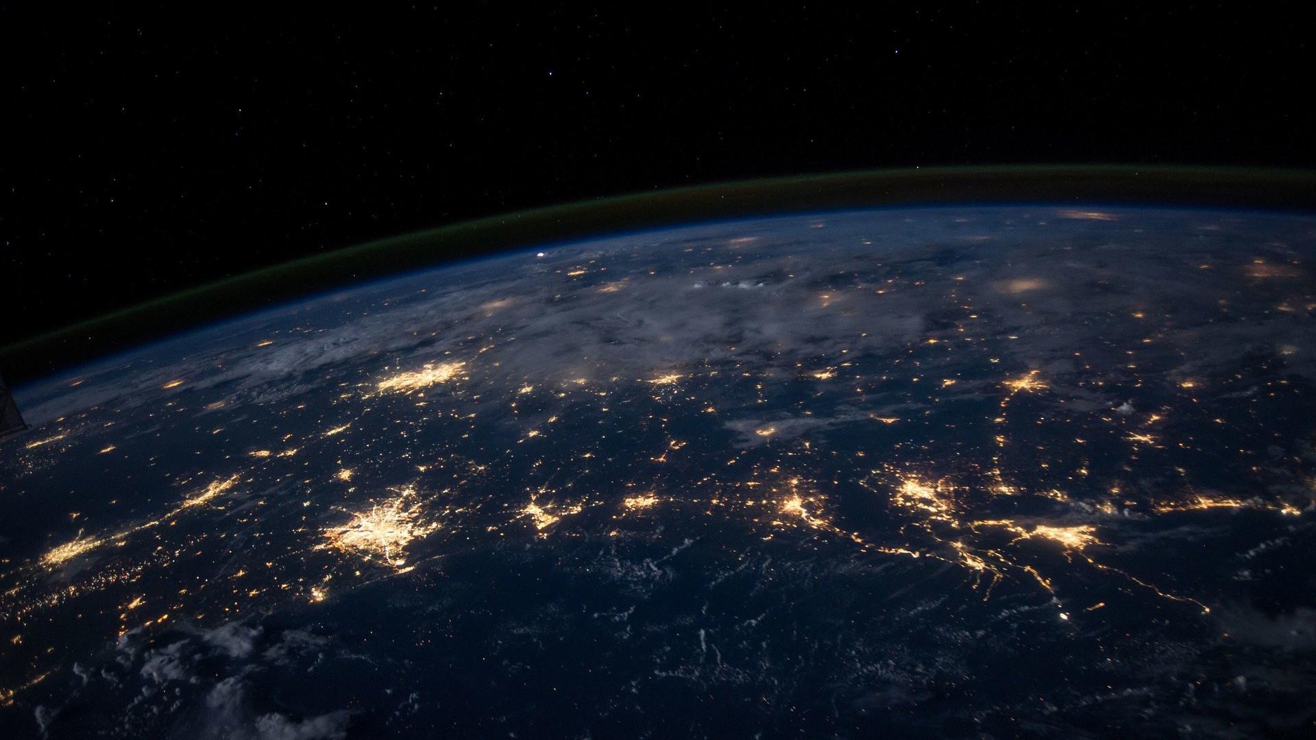 earth-1149733_1920.jpg