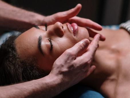 Atendimento com massagem relaxante
