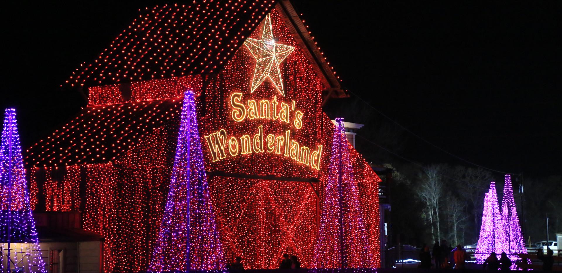 Santa's Wonderland Red Barn.JPG