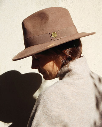 Le Chapeau Taupe