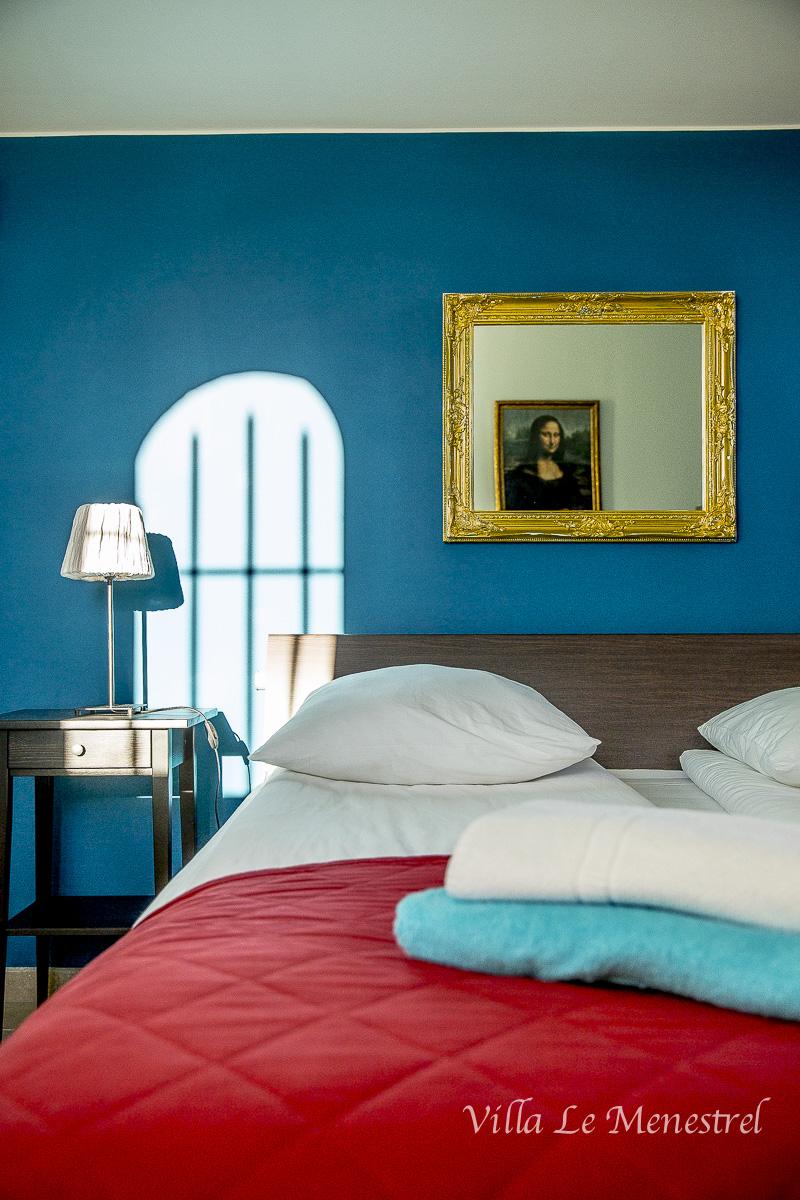 Sininen makuuhuone