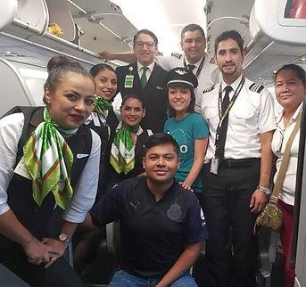 11. Viva Aerobus con Isis (2).jpg