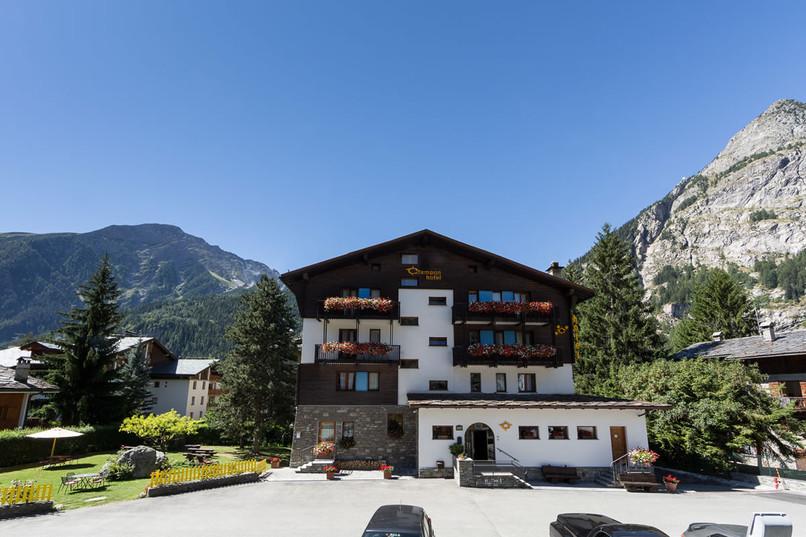 accoglienza-hotel-crampon-courmayeur01.j