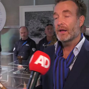 PERSUITNODIGING: Zwaarbeveiligd transport om tentoonstelling neushoorn-hoorns mogelijk te maken