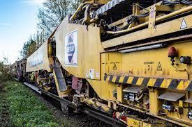 'Extreme machine' treinspoor robot 'De Lady' gaat morgen spoed reparatie uitvoeren tussen Arkel-Leer