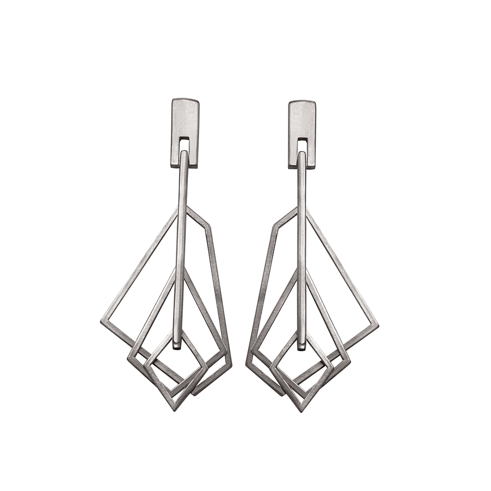 GE114 silver earrings