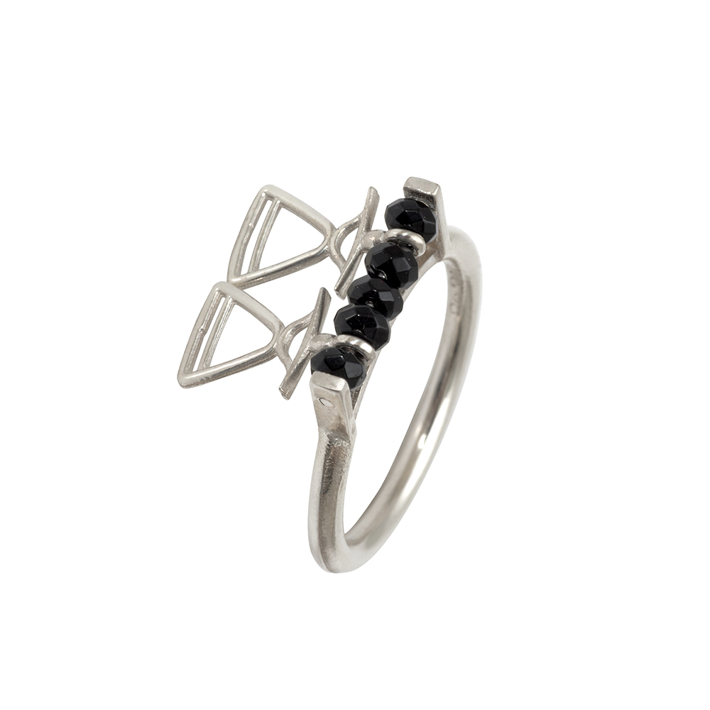 REVR101 silver ring black