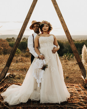 Dried Accessories Bridal Couple