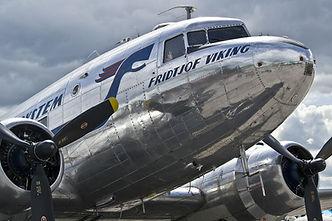 propeller-plane-544968_1920.jpg