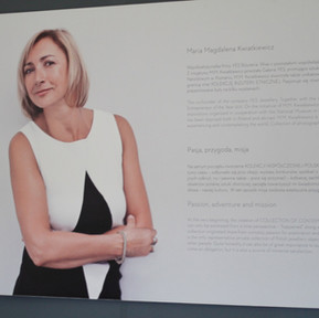 Wystawa zbiorów biżuterii i zdjęć Marii Magdaleny Kwiatkiewicz właścicielki firmy YES.