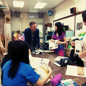 St.Stephen's Girls' College i wizyta wAmberozia 琥珀思雅showroom. Hong Kong.