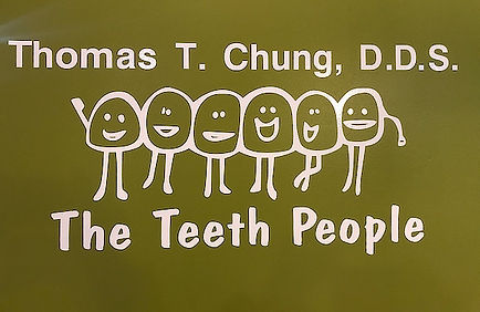 Friendly teeth hugging - The Teeth Peopl