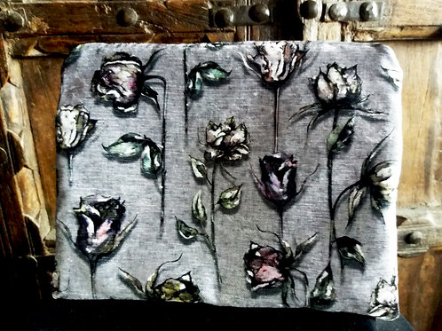 Large Zip Pouch -Dead Roses